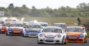 Racing at Snetterton