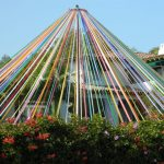 1600px-Maypole_in_Brentwood_California-771x578